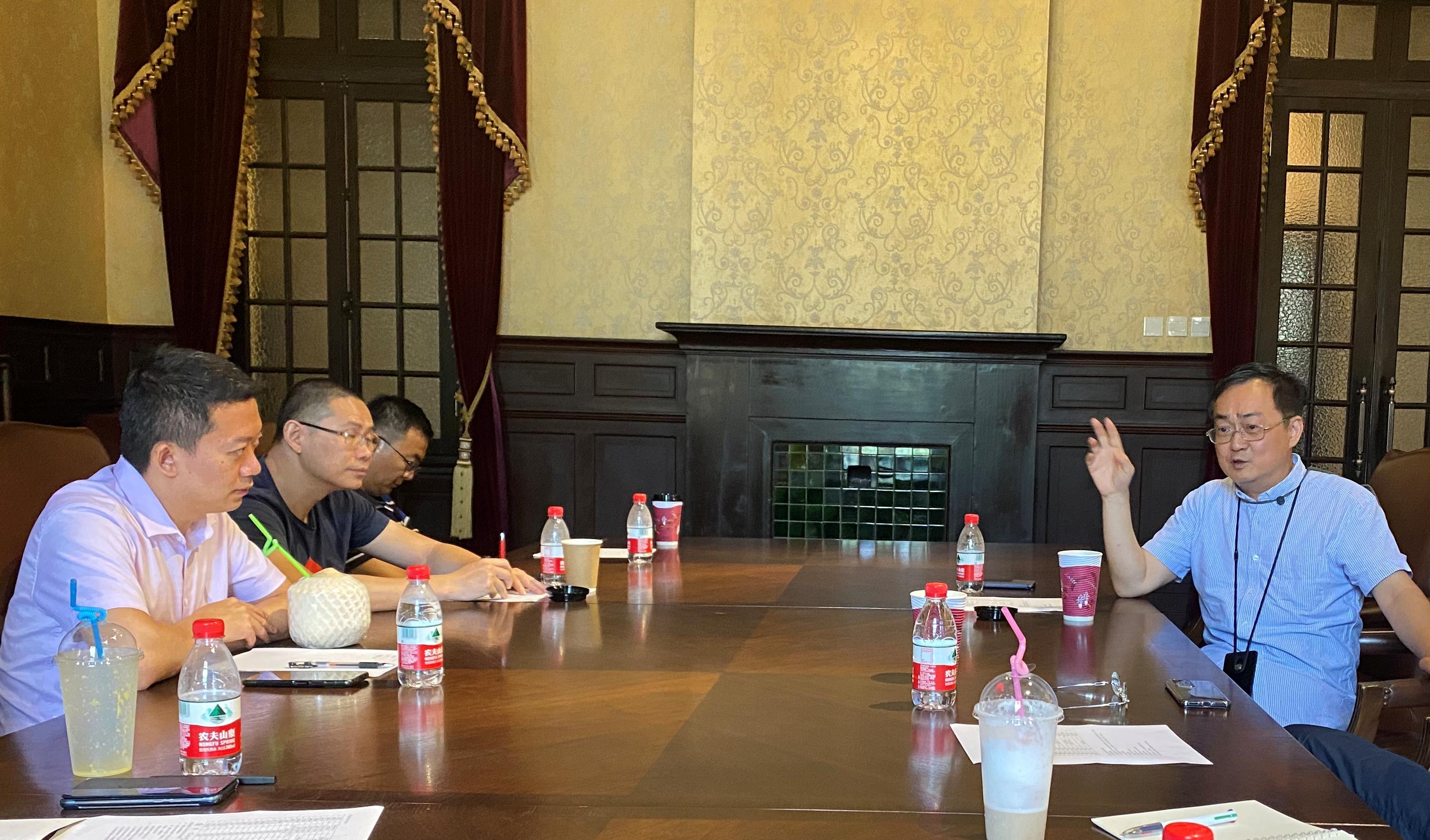 上海市环境科学学会化学品污染物排放毒性鉴定与风险防控专业委员会筹备组第二次会议顺利召开