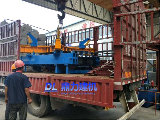 天津贯通管井水泥制品第二套高频振动检查井设备发货