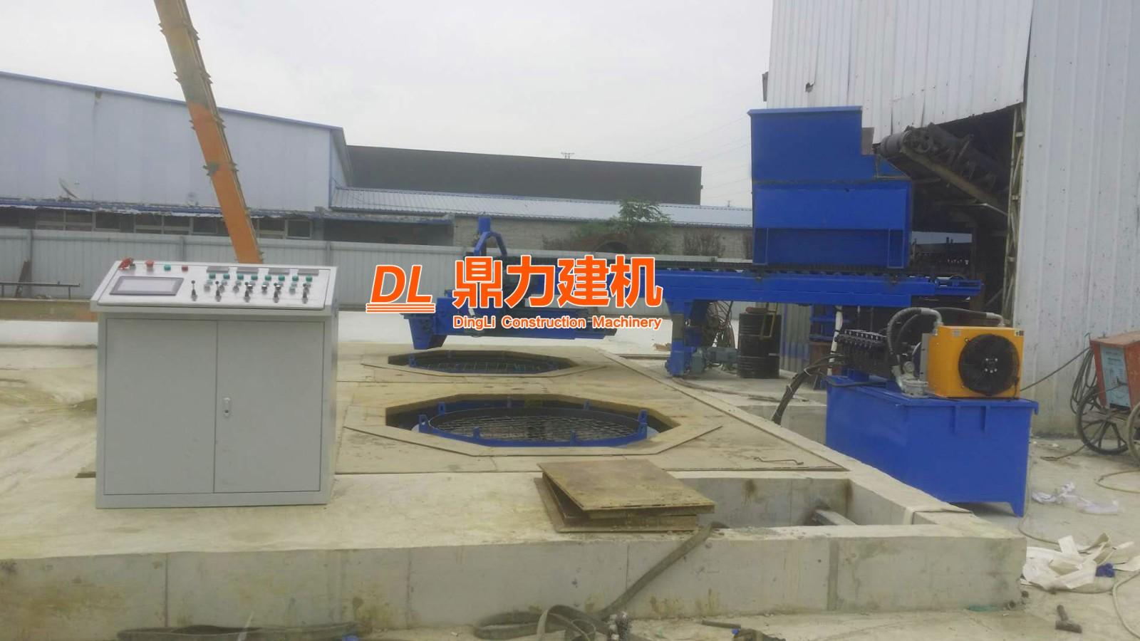 河北三河裕兴凯达双工位圆形三仓化粪池生产现场