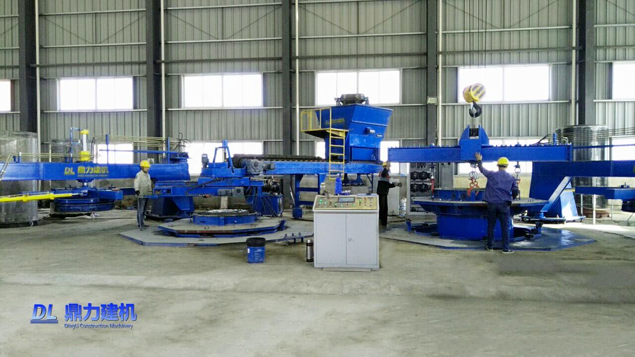 安徽龙泉管道双工位芯模振动制管机生产现场